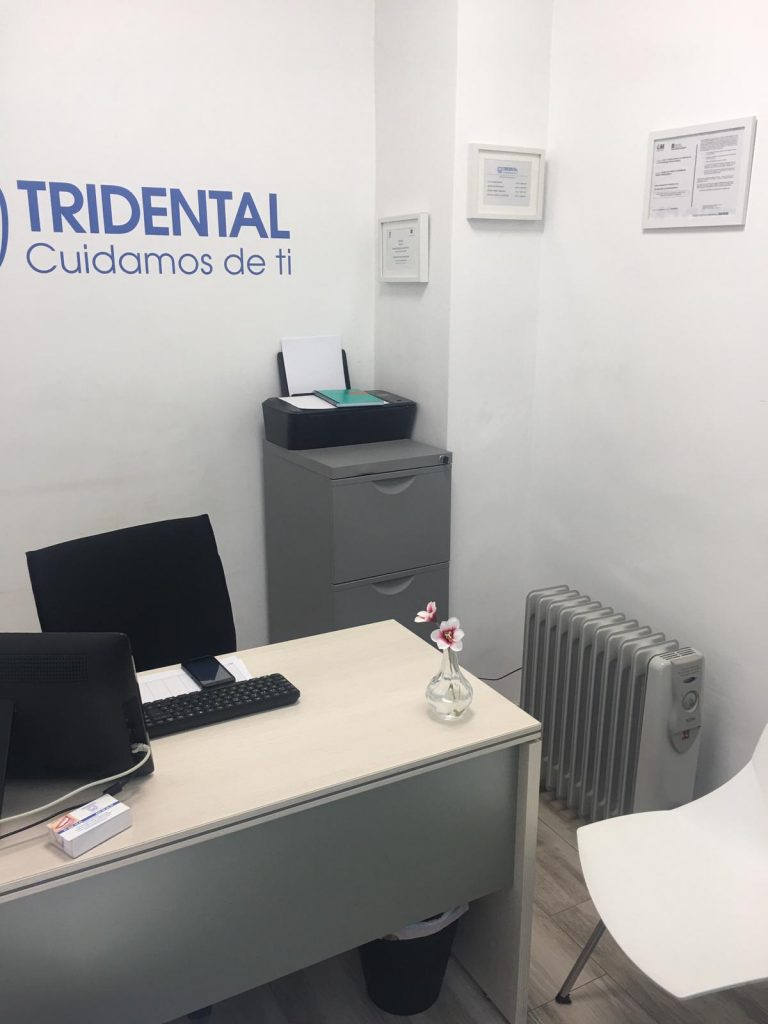 Foto despacho clinica dental fuenlabrada